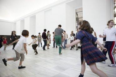 Desarrollo de la actividad en la Sala 102. Museo Reina Sofía, 2009