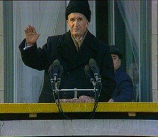 Harun Farocki y Andrei Ujica. Videogramme einer Revolution , 1992