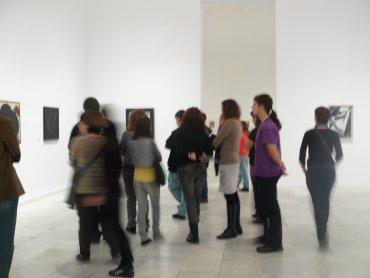 Grupo de profesores asistiendo a una sesión formativa. Museo Reina Sofía, 2009.