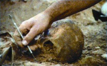Leandro Katz. Exhumación, 2007