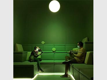 Vista de la exposición Audiosfera. Experimentación sonora 1980-2020, 2020. Fotografía: Alex Moltó