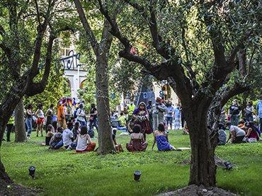 Picnic del barrio, Jardín del Museo Reina Sofía, 2021. Fotografía: Ela Rabasco (Ela R que R)
