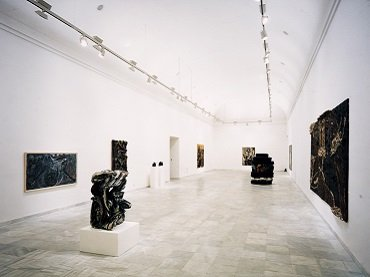 Exhibition view. Sonnabend Collection. 25 Years of Selection and Activity, 1987