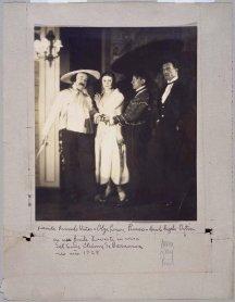 Man Ray. Ricardo Viñes, Olga Picasso, Pablo Picasso y Manuel Ángeles Ortiz, 1924/ Copia de época. Fotografía. Colección Museo Nacional Centro de Arte Reina Sofía, Madrid