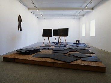 Vista de sala de la exposición. Joseph Beuys , 1994