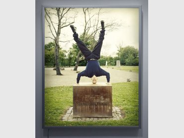 Cildo Meireles. Atlas, 2007. Transparencia montada sobre caja de luz. P.A. Colección del artista. Galería Lelong, Nueva York. Fotografía cortesia Lofoten International Art Festival - Noruega