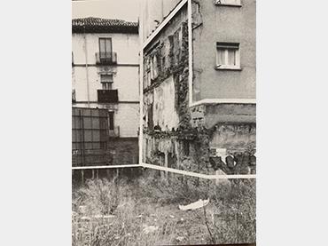 Asociación Cultural Maelström y Red de Lavapiés. Érase una vez Lavapiés y otros cuentos. Paseo de vivienda. Madrid, 2001. Fotografía sin autoría