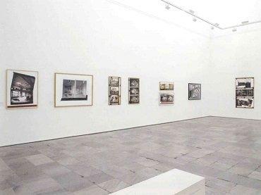 Vista de sala de la exposición. Gordon Matta-Clark, 2006
