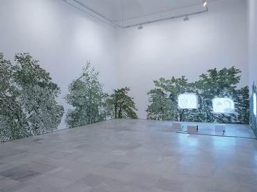 Vista de sala de la exposición. Claudia y Julia Müller. ¿Con quién dejamos a nuestros hijos e hijas?, 2003