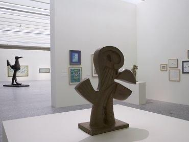 Vista de sala de la exposición. Juan Soriano. Aves de paso, 2006