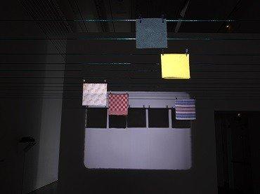 Vista de sala de la exposición. Eulàlia Valldosera. Dependencias, 2009