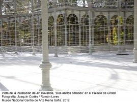 Jiří Kovanda. Dos anillos dorados (imagen 01)