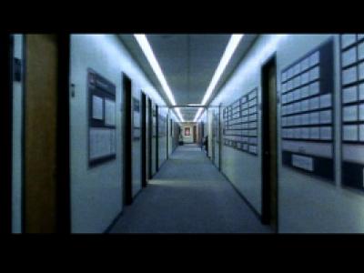 Adam Curtis. The Trap: What Happened to Our Dream of Freedom. Episode 1: Fuck you, Buddy [La trampa: Qué pasó con nuestro sueño de libertad. Episodio 1: Que te den, colega]. Película, 2007