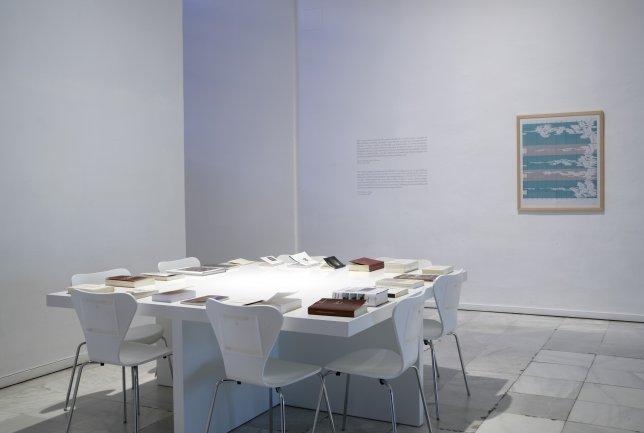 Imagen del área de interpretación preparada para la exposición ATLAS, ¿Cómo llevar el mundo a cuestas? Museo Reina Sofía, 2010.
