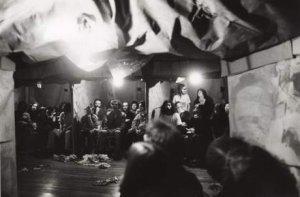 Robert Whitman. The American Moon. Performance, 1960. Reconstrucción de 1976. Fotografía: Babette Mangolte.