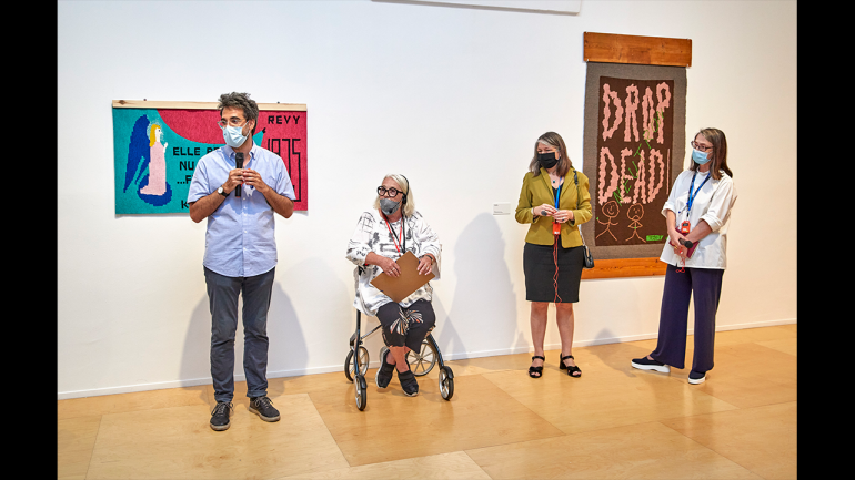 Tour of the exhibition Charlotte Johannesson. Take Me to Another World, Museo Reina Sofía, 2021. From left to right: Chema González, Charlotte Johannesson, Mabel Tapia and Patricia Molins