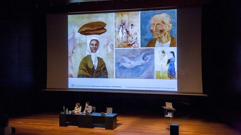 Clara Bondía y Lorenzo Hortal presentan su ponencia sobre la reutilización de un lienzo de Picasso
