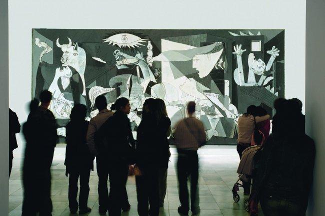 Bernardo Atxaga. Lectura poética ante el Guernica