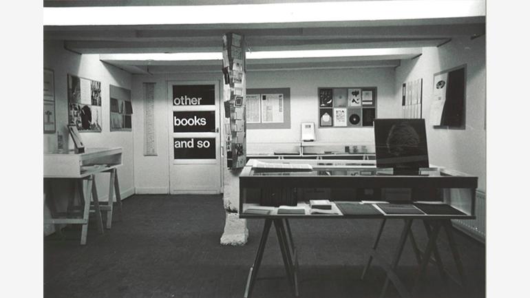 Vista de la exposición Guy Schraenen éditeur organizada en la librería de Ulises Carrión Other Books and So, 1977