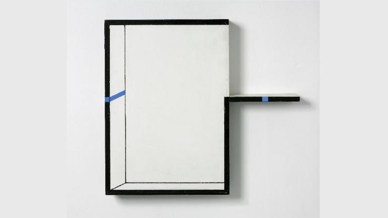 Edward Krasiński, Interwencja, 1990. Acrilic on fiber panel, wood and blue ribbon. © Grażyna Kulczyk Collection. Photography: Bartek Buśko
