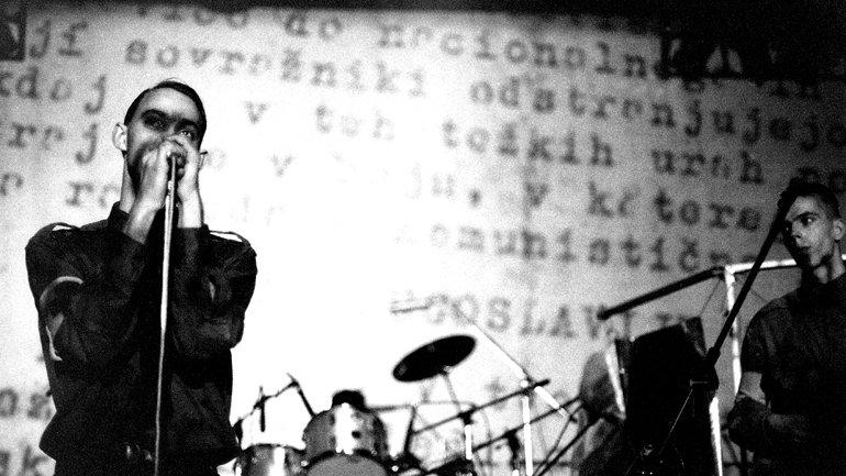 Laibach en la XII Bienal de Música de Zagreb 1983. Fotografía: Ranko Borovecki