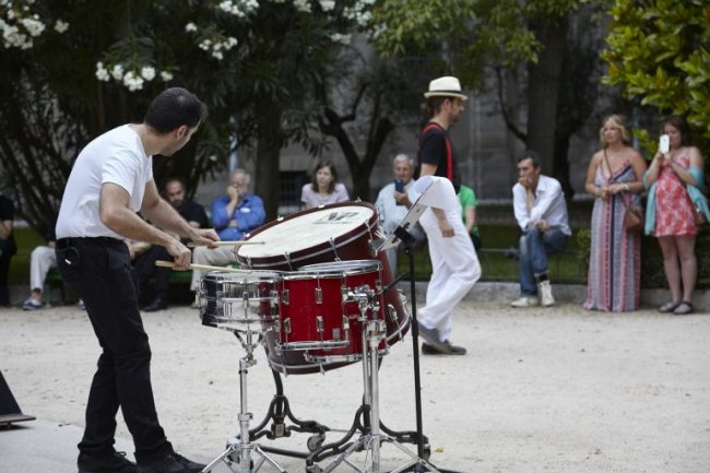 Alberto Bernal (with Neopercusión). Mobile. Work for a Percussion and a Performer