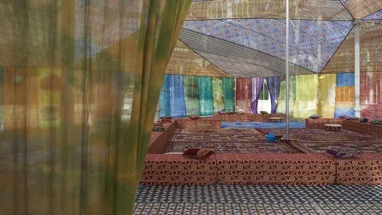Vista de sala de la exposición. Federico Guzmán. Tuiza. Las culturas de la jaima, 2015