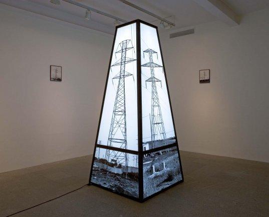 Antoni Muntadas. Monumento genérico, 1987 - 1988. Installation. Museo Nacional Centro de Arte Reina Sofía Collection, Madrid