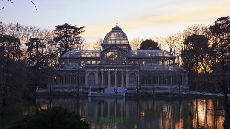 Vista del Palacio de Cristal con la exposición Dominique Gonzalez-Foerster. SPLENDIDE HOTEL, 2014