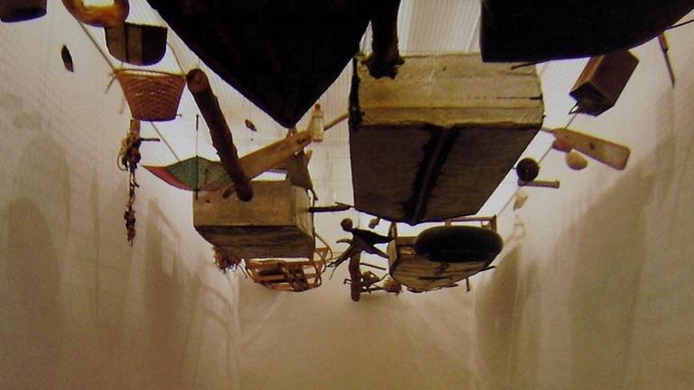 Exhibition view. Cocido y crudo, 1994