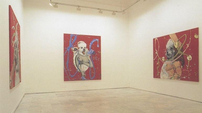 Vista de sala de la exposición. Jorge Galindo. Pintura animal, 1999