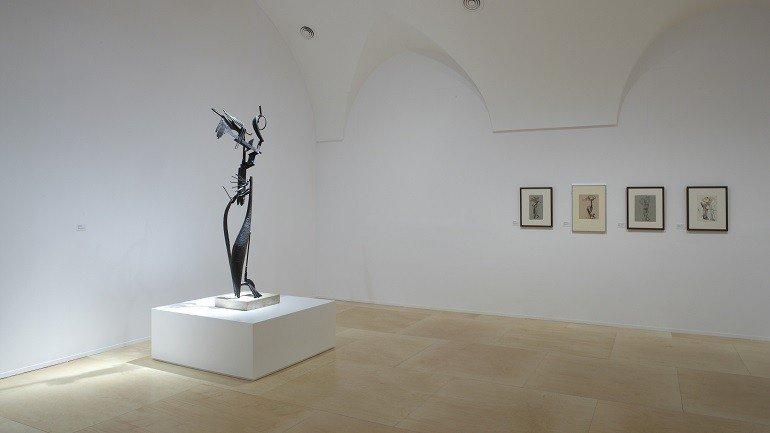 Vista de sala de la exposición. Julio González, 2009