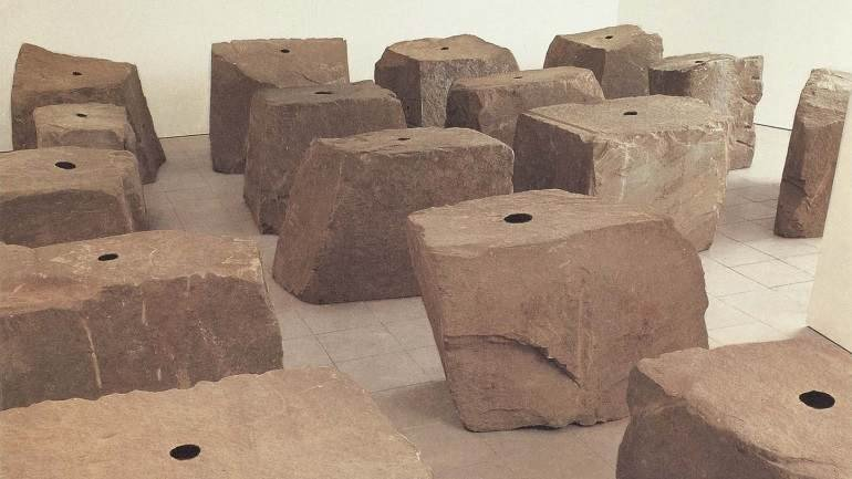 Anish Kapoor. Void Field, 1989. Escultura. Colección Museo Nacional Centro de Arte Reina Sofía, Madrid