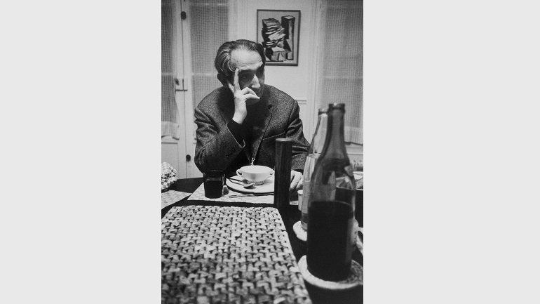 Mário Pedrosa, Brazilian writer and art critic, Meudon (at Alberto Magnelli's home), 1969 © Alécio de Andrade, VEGAP, Madrid, 2017