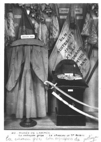 """Tarjeta postal del Musée de l'Armée (anverso). Cuaderno de notas """"Chartres y el Sena"""". 1938. Archivo Solana. Centro de Documentación"""